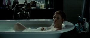 Lois in the bath