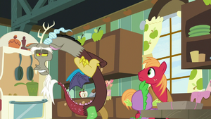 Discord dismisses romance as nonsense S8E10