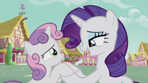 Rarity singing to Sweetie Belle S5E18