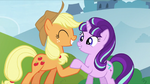 Applejack shakes hooves with Starlight S5E26