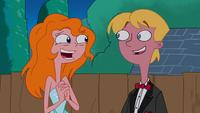 Candace y Jeremy con vestidos