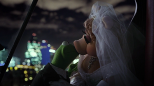 Kermit and Miss Piggy's kiss