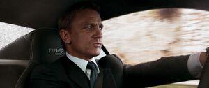 Quantum-of-soalce-2008-movie-review-james-bond-007-daniel-craig-olga-kurylenko-2015-spectre