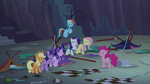 Main ponies laugh over their misfortune S8E13