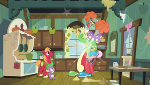 Discord poofs himself into clown costume S8E10
