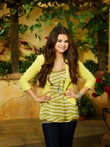Alex Russo Photo