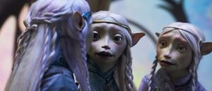 Dark-crystal-age-of-resistance-sisters-700x300