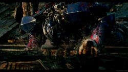Transformers-The-Last-Knight-Theatrical-Trailer-2-117