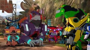 Bumblebee and Grimlock with Steeljaw's Pack