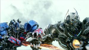 Optimus Prime fighting Galvatron