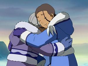 Katara and Kanna hugging