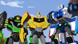 Strongarm, Grimlock and Bumblebee (S1E5)