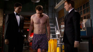 Cameron Price (Bret Harrison) in his boxers in the Who's The Boss episode for Breaking In - clueless about the plan