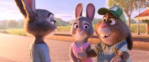 Zootopia Judy w parents