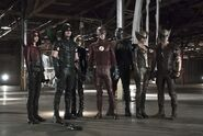 Flash-arrow-crossover-legends-of-tomorrow