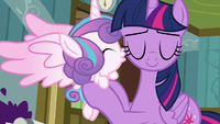 Flurry Heart kisses Twilight on the cheek S7E3