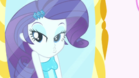 Rarity making a duckface in the mirror SS1