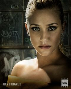 RD-S3-Betty-Cooper-Promotional-Portrait