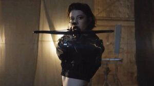 New-birds-of-prey-set-photos-show-off-mary-elizabeth-winstead-as-huntress-social