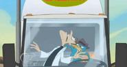 Perry a punto de chocar la cara de doof con el vidrio