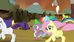 Main cast, Spike and Discord running S4E26