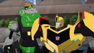 Bumblebee and Grimlock (Collateral Damage)