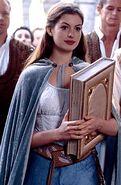 2004 ella enchanted 002