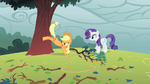 Applejack bucking a tree S1E08