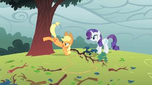 Applejack bucking a tree S1E08