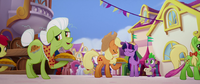 Twilight Judging the Apple Family's Pies