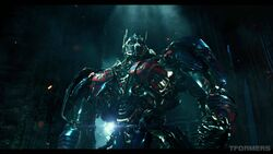 Transformers The Last Knight International Trailer 4K Screencap Gallery 185
