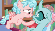 Cozy Glow muzzle-to-muzzle with Ocellus S8E22