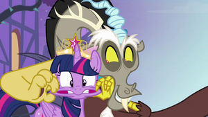 Twilight and Discord --you totally deserve it-- S4E01