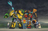 Bumblebee, Grimlock and Drift vs. brainwashed humans