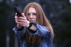 Still-of-julianne-moore-in-hannibal-(2001)-large-picture