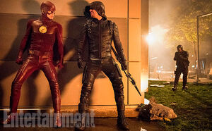 Arrowverse-Crossover-Flash-Green-Arrow-Spartan