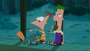 Perry con lápiz de labios