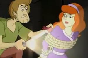 Shaggy freeing Daphne