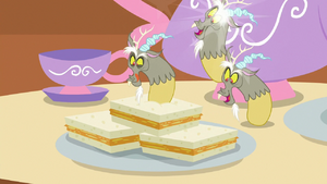 Discord's fingers turn into mini-Discords S7E12
