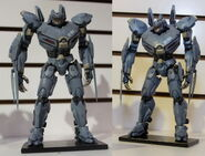 Toy striker statue-h5