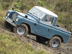131 0702 04 z+1975 land rover series 3+drivers side view