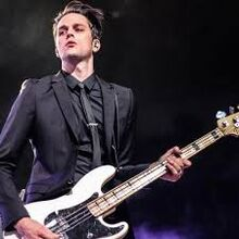 Dallon weekes -favorite singer of P1ATD