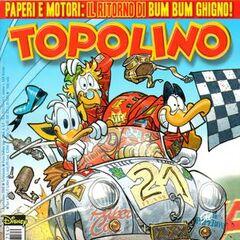 Copertina di Topolino 2754 dedicata alla storia <i>Paperino e Bum Bum in Storie di Corse e Motori</i>.