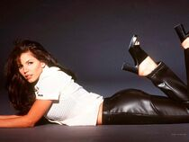 Charisma Carpenter 4
