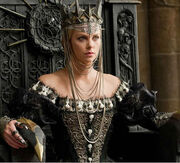 Snow-white-and-the-huntsman-charlize-theron-universal-thumb-315xauto-41266