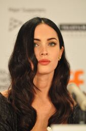 Megan-fox-long-sexy-hairstyle-sept-09-680x1024