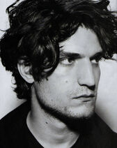 Louis Garrel-05
