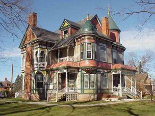 Haunted-House big