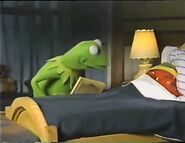 Robin finally falls asleep at the end of Muppet Babies Video Storybook Vol.5