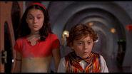 Carmen and juni meets the robot kids